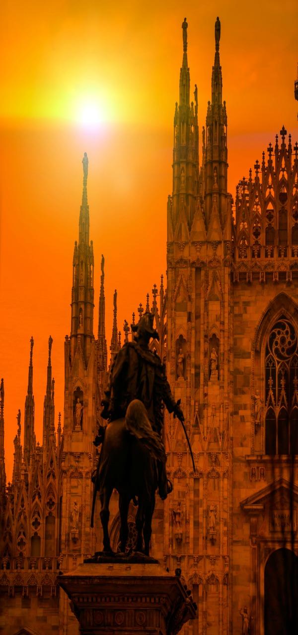 Duomo di Milano and Piazza del Duomo, Milan, Italy
